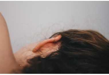 孩子三岁仍然不会说话,竟是因为耳聋!